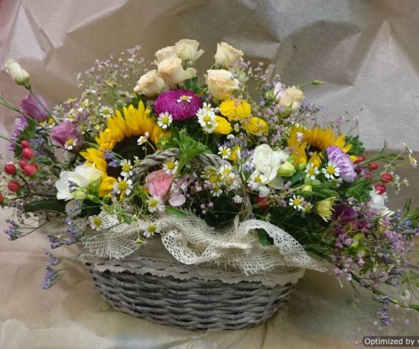 Košík poľných kvetov